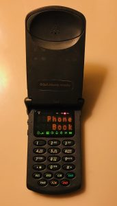 analog flip phone motorola