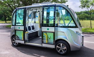 driverless connected bus campus singapore