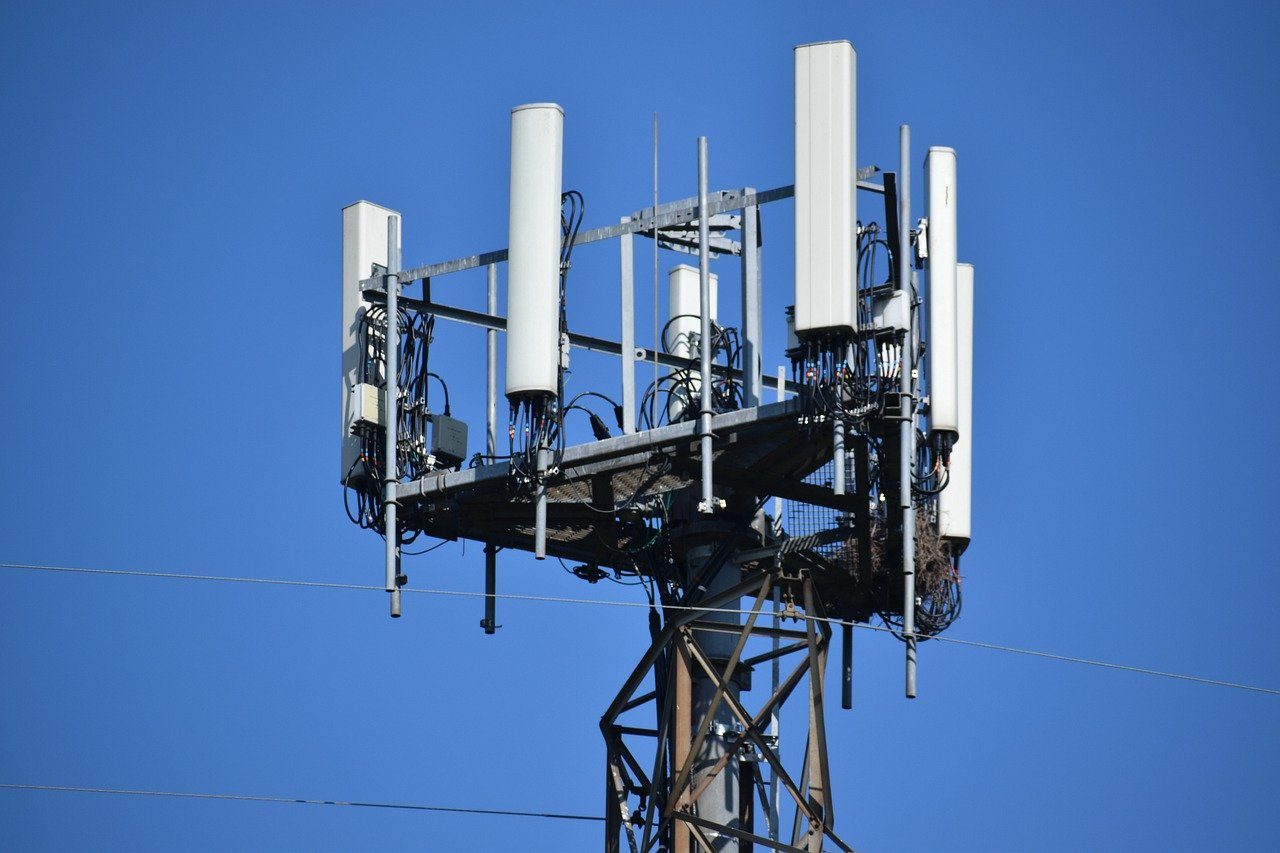 5g cell tower antenna
